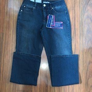 Bandolino Blue Jeans Size 8 NWT